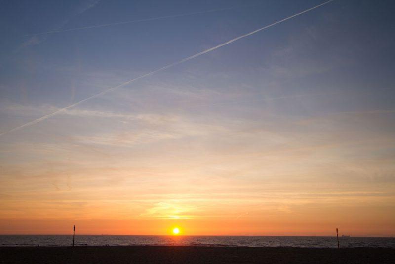 Het avondrood wordt bij de fotografie ook wel het gouden uur genoemd, wordt vaak omschreven als het eerste en laatste uur zonlicht op de dag, waarbij de speciale kwaliteit van het licht bijzonder fraaie foto's kan opleveren.