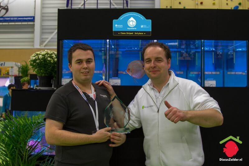 Bob van Horne van (DISCUSPASSIE.NL feliciteert Mark Dobronyi.